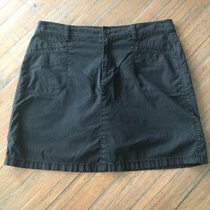Croft & Barrow size 14 black skort